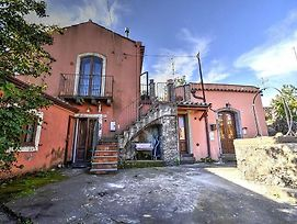 Sant'Alfio Villa Sleeps 3 photos Exterior