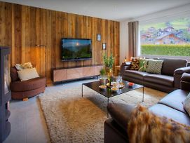 Modern Chalet For 12 Between Mountains And Lakeside Town - Ovo Network photos Exterior