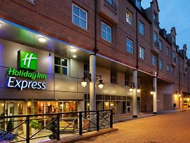Holiday Inn Express London Hammersmith photos Exterior