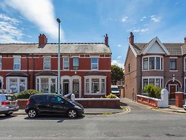 Comfortable Apartment In Blackpool Near Sea photos Exterior