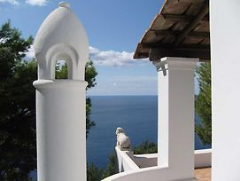 Anacapri Villa Sleeps 9 With Pool And Air Con photos Exterior