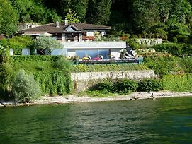 Laveno-Mombello Villa Sleeps 9 With Pool And Air Con photos Exterior
