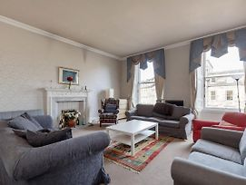 Remarkable 5-Bed Apartment In Edinburgh photos Exterior