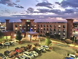 Holiday Inn Express Hotel & Suites Albuquerque Historic Old Town photos Exterior