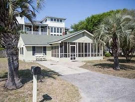 Affordable & Comfortable Beach Home - Less Than One Block From The Ocean!! photos Exterior
