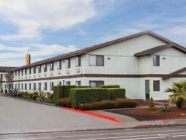 Super 8 By Wyndham Arcata photos Exterior
