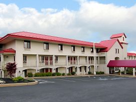 Red Roof Inn Lancaster photos Exterior