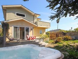 New Listing! Modern Beach House W/ Hot Tub Home photos Exterior