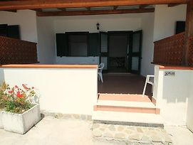 Agnone Villa Sleeps 4 Air Con Wifi photos Exterior