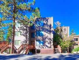 Village Pleasure By Lake Tahoe Accommodations photos Exterior