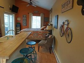 Industrial Old Town Bungalow With Free Cruiser Bikes photos Exterior