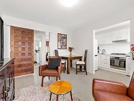 The Perfect Pad ~ 1Bed, 1Bath ~Annerley~ 10Mins Cbd photos Exterior