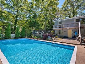 Cape Cod Area Home With Fire Pit Less Than 4 Mi To Beach! photos Exterior