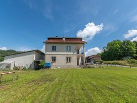 Inviting Holiday Home In Savona With Private Garden photos Exterior