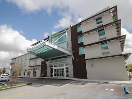 Holiday Inn Express & Suites Miami Airport East photos Exterior