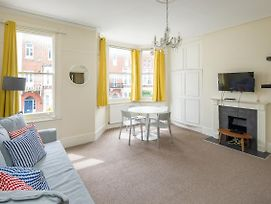 Bright And Spacious Pad In Beautiful Fulham Area photos Exterior