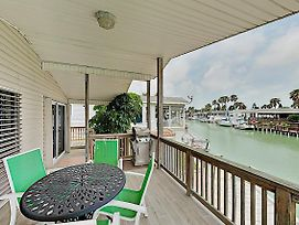 Bayside Getaway: Pools, Tennis, Golf, Private Dock Home photos Exterior