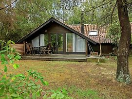 Three-Bedroom Holiday Home In Vaeggerlose 3 photos Exterior