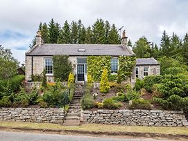 Quaint Holiday Home In Inverurie Near Castle Fraser photos Exterior