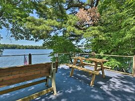Lakefront Family Retreat W/ Private Dock! photos Exterior