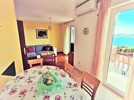 Holiday Apartment With A Balcony And Sea View Just 300 Metres From The Beach photos Exterior