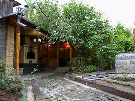 Guest House In Gumri photos Exterior