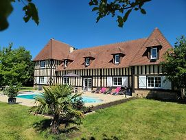 Lovely Traditional Normandy Manor photos Exterior