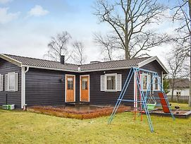 Awesome Home In Linkoping W/ Wifi And 4 Bedrooms photos Exterior