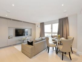 Beautiful Furnished Modern One Bedroom Apartment Victoria London photos Exterior