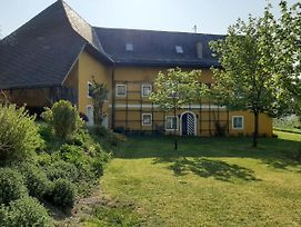 Scenic Mansion In Pischeldorf With Private Pool photos Exterior