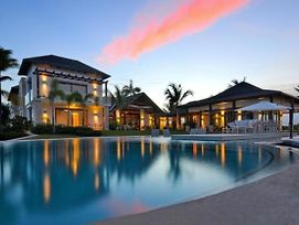 Spectacular Villa With Oceanfront And Private Pool photos Exterior
