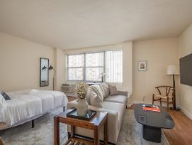 Arch, Dome, Dtown - Classic 1Br With Rooftop By Zencity photos Exterior