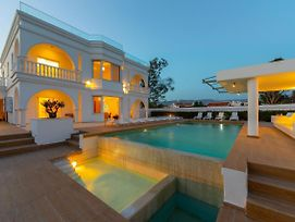 Villa Coral Jewel - Six Bedroom With Private Swimming Pool photos Exterior