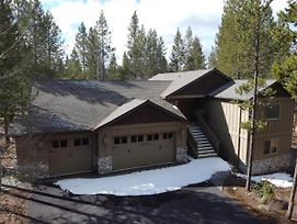 Big Sky #3 Sunriver Vacation Rentals by Sunset Lodging photos Exterior