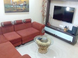 Private 3-Bhk Serviced Apartment In Magarpatta , Hadapsar Pune @Bed Chambers photos Exterior