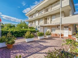 Wonderful Apartment In Loano With Beach Nearby photos Room