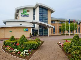 Holiday Inn Express Northampton - South photos Exterior