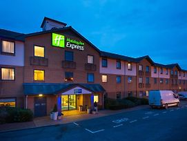 Holiday Inn Express Swansea East photos Exterior