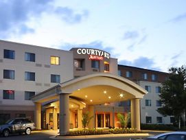 Courtyard By Marriott Potomac Mills Woodbridge photos Exterior