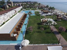 Risus Aqua Beach Resort Hotel photos Exterior