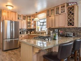 699 Chapel - Tahoe Tyme Cabin Walking Distance To Town! photos Exterior