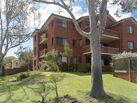 15 'Amanda Court', 1 Weatherly Close - So Close To Little Beach photos Exterior