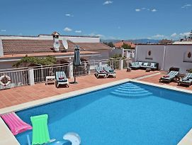 Family Villa With Pool, Wifi And Pool Table photos Exterior