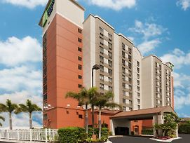 Holiday Inn Express & Suites Nearest Universal Orlando photos Exterior