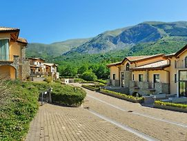 Valley-View Holiday Home In Scanno With Garden photos Exterior