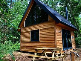 Alfriston Woodland Cabins - Badgers Rest photos Exterior