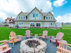 New! Lakefront Home With Dock Slip, Golf Access & Hot Tub! photos Room