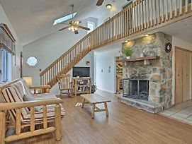 New-Poconos Home W/Grill & Porch, Near Ski Resort! photos Exterior