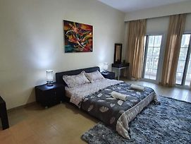 Luxurious 2 Bedroom Townhouse Available In Jumeirah Village Circle photos Exterior
