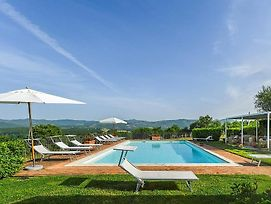 Rapale Villa Sleeps 20 With Pool And Air Con photos Exterior